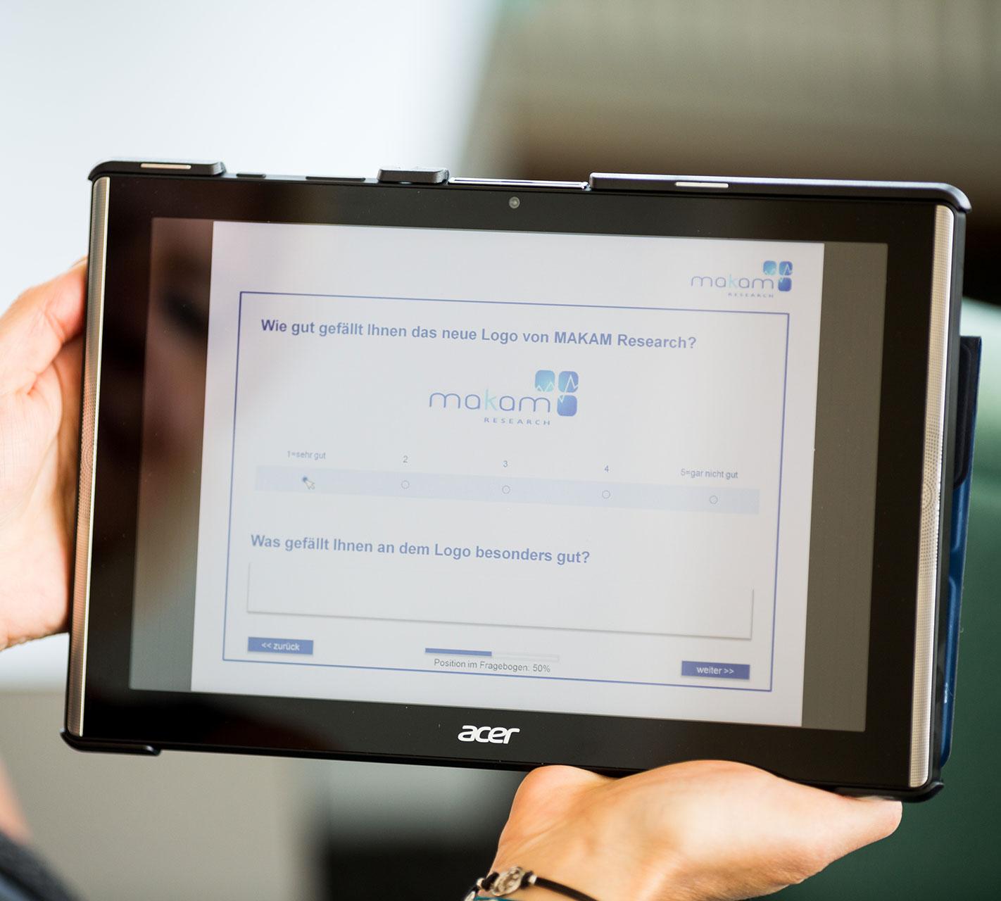 16 hochwertige Tablets mit internetunabhängiger CAPI-Software, Full-HD-Display und Front-Lautsprechern für optimalen Sound